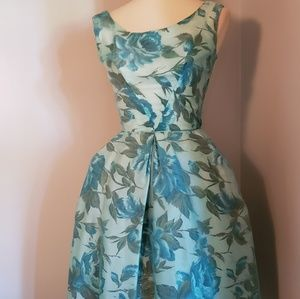 Beautiful Vintage Blue Rose Dress 1950s size Small